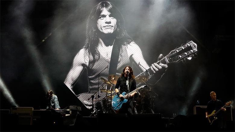 Le Live de la semaine – Foo Fighters – Let There Be Rock (AC/DC cover)