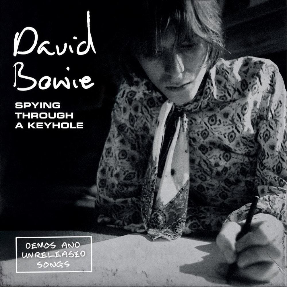 News – David Bowie / Spying Through A Keyhole – 7″ box set