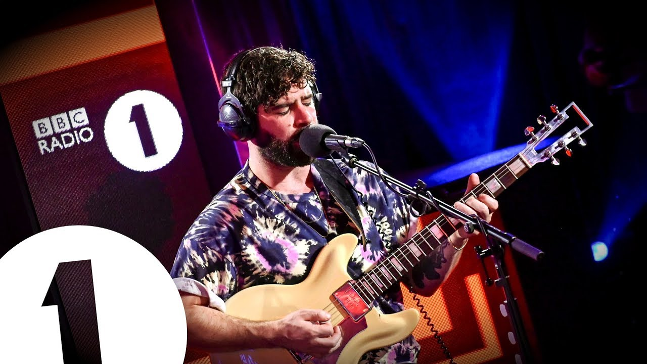 Le Live de la semaine – Foals – Late Night Feelings – BBC Radio 1
