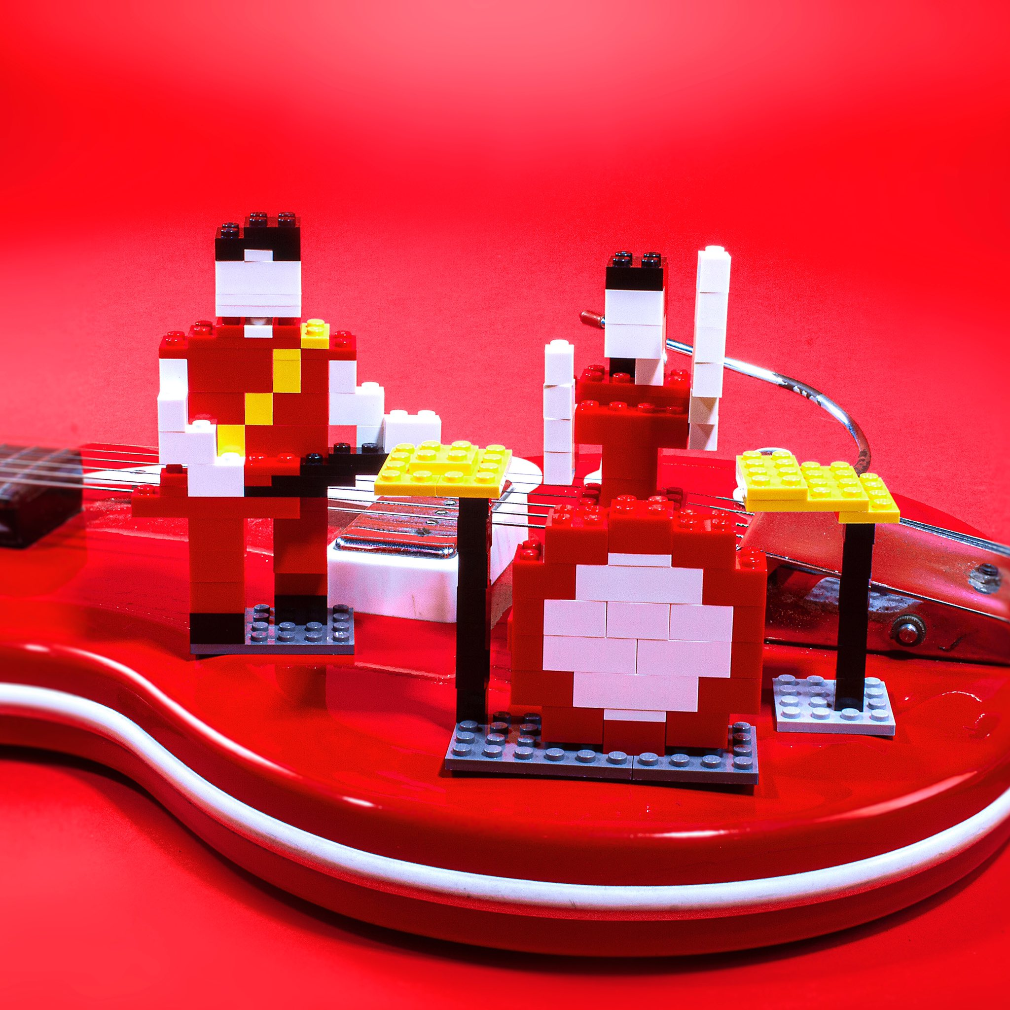 "Curiosities – White Stripes – Lego ""Fell In Love With A Girl"""