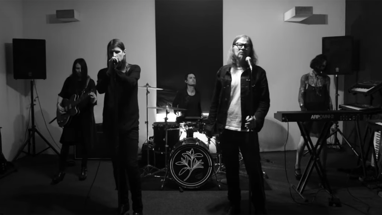 News – Mark Lanegan and Cold Cave – Isolation (Joy Division Cover)