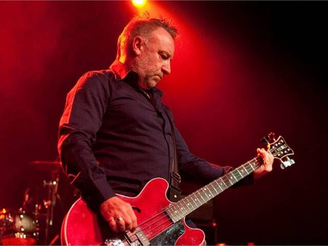 Bientôt En Concert Chez Nous – Peter Hook & The Light