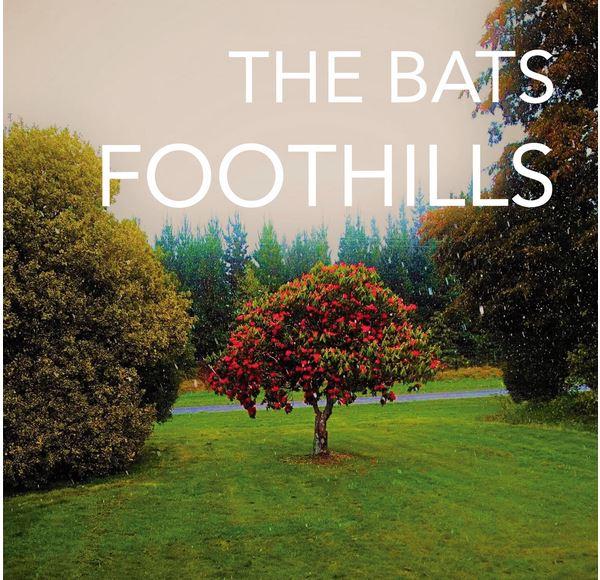 Brèves – The Bats, Motorama, Travis