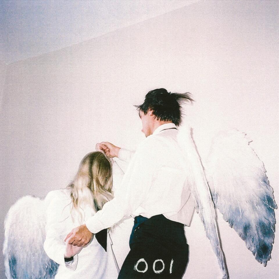 Single of the week – Wings of Desire – 001